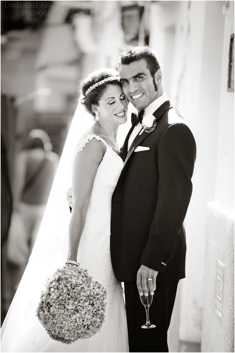 Encarnacion Marbella church wedding bride and groom photo