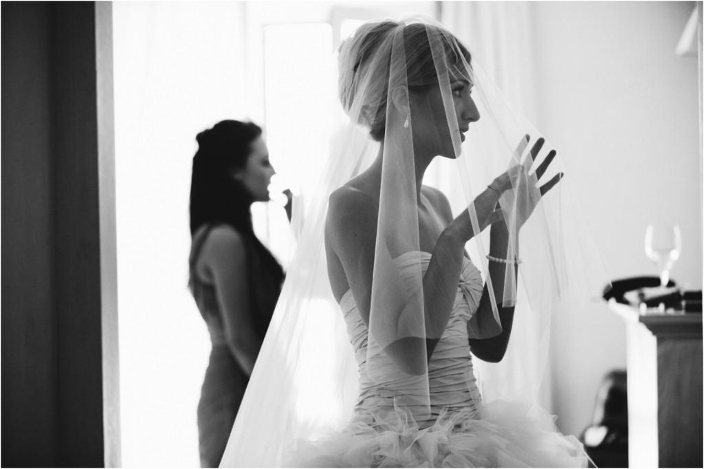 bride getting ready Villa del Mar
