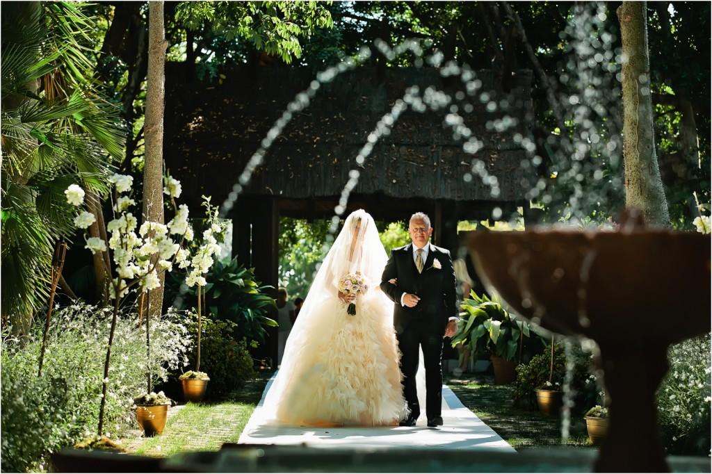 father walking with the bride at Viila del Mar Marbella