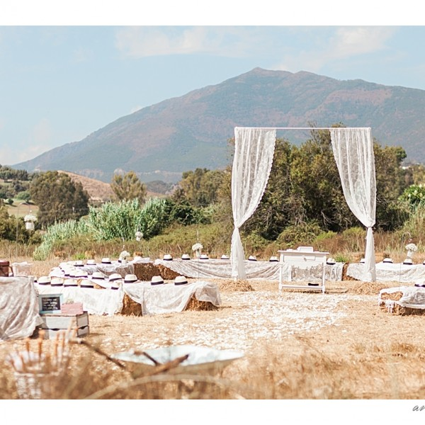 Leanne & Rob rustic wedding in Benahavis, Spain