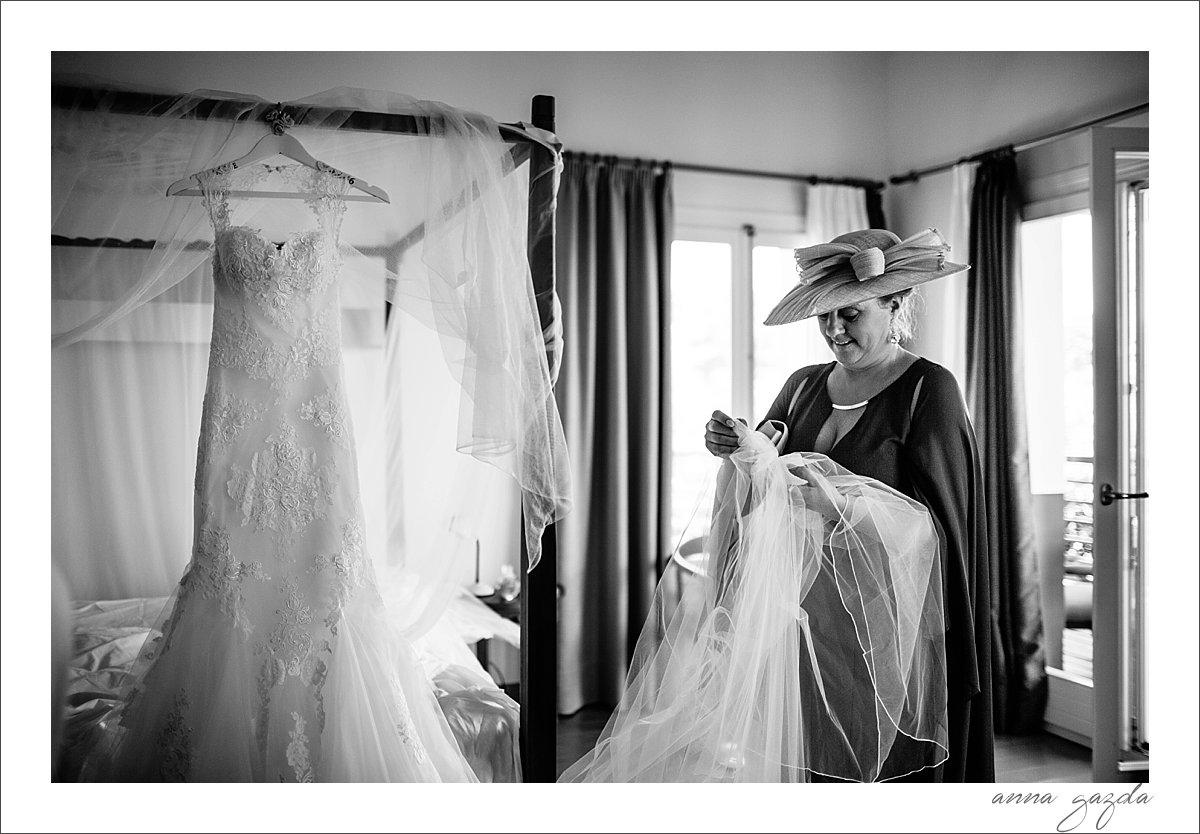 wedding dress, The Lodge wedding photographer Ronda