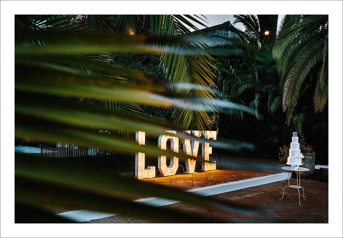 love sign marbella finca la concpecion